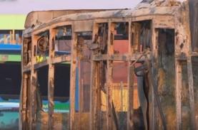 Foto-foto Bus Sekolah Berisi 51 Murid yang Dibajak…