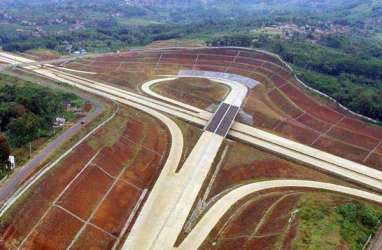 JALAN TOL : Progres Konstruksi Cisumdawu Lambat