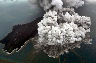 Status Anak Krakatau Diturunkan ke Level Waspada