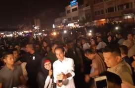 Tangan Jokowi Terluka Saat Kampanye di Dumai