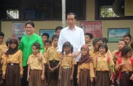 Iriana Jatuh di Atas Panggung, Ini Komentar Jokowi