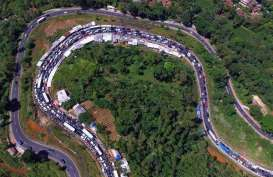 Kemenhub Terangi Jalan Tasikmalaya dengan Panel Surya