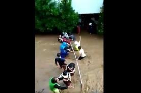 Video Murid SD 224 Bandung Dievakuasi karena Sekolahnya…