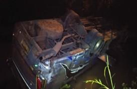 Bangkai Bus Sugeng Rahayu Kecelakaan di Ngawi Belum Bisa Dievakuasi
