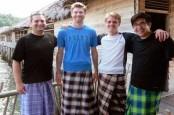 Pegawai Negeri di Pekalongan Wajib Pakai Sarung Batik