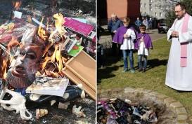 Dianggap Promosikan Ilmu Sihir, Buku Harry Potter Dibakar di Polandia
