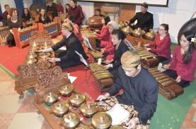 Gamelan & Tari Pendet Meriahkan Festival Kampus di…