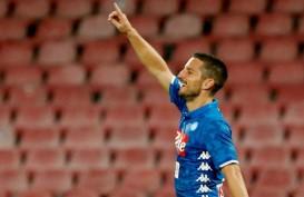 Napoli vs Genoa Skor 1 - 1, Pesta Juara Serie A Italia Juventus Tertunda