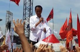 Jokowi Kampanye di Karawang : Caping Merah-Putih Buat Relawan, Anak Dapat Hiburan
