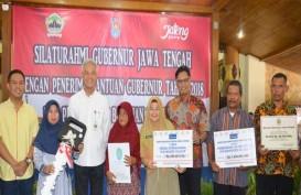 Bank Jateng Serahkan Tiga Bantuan di Kabupaten Cilacap