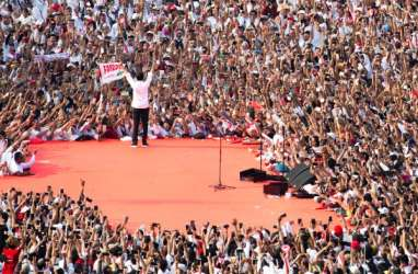 Di Kampanye Akbar, Jokowi Sapa Massa Pakai Aneka Bahasa Daerah