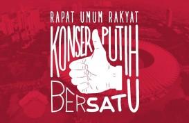 Seorang Pendukung Digotong Tepat di Samping Jokowi saat Orasi di Kampanye Akbar