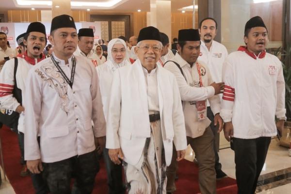 DEBAT PILPRES Cawapres nomor urut 01 Ma'ruf Amin meninggalkan ruangan usai mengikuti debat Pilpres putaran terakhir di Jakarta, Sabtu, (13/4/2019)/JIBI - Bisnis/Felix Jody Kinarwan