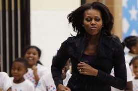 Promosikan Autobigrafinya, Michelle Obama Disambut…