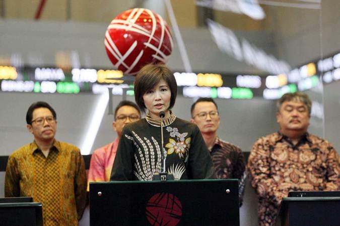 Direktur Utama PT Batavia Prosperindo Aset Manajemen (BPAM) Lilis Setiadi menyampaikan sambutan pada peluncuran Reksa Dana yang dapat diperdagangkan di bursa Exchange Traded Fund (ETF) yaitu Batavia IDX30 ETF dan Batavia SRI-KEHATI ETF, di Jakarta, Rabu (27/3/2019). - Bisnis/Dedi Gunawan