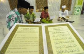 Asuransi Sinar Mas Wakafkan 400 Alquran untuk Tujuh Masjid di Bukittinggi