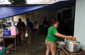 JAKARTA BANJIR : 1.325 Korban Banjir Rawajati Butuh Makanan Siap Saji