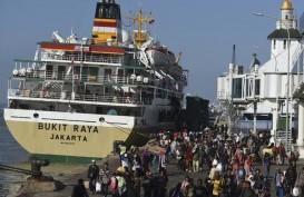 Perantau Andalkan Moda Kapal untuk Mudik ke Pulau Jawa