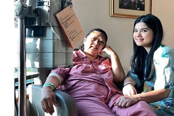 Ani Yudhoyono dan menantunya Annisa Pohan di National University Hospital Singapore - Instagram@aniyudhoyono