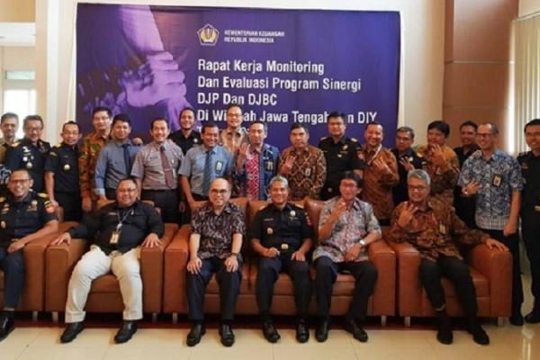 Joint Program Bea Cukai dan Pajak Jateng DIY Setor Ratusan Miliar Rupiah ke Negara