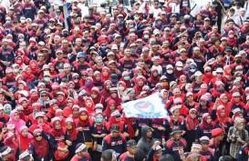 May Day: Buruh dan Polisi Saling Dorong di Jalan Sudirman