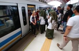 Melihat dari Dekat Antusiasme Warga Palembang Memakai LRT
