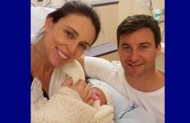 Perdana Menteri Selandia Baru Dilamar Kekasihnya di Kaki Buki Mokotahi