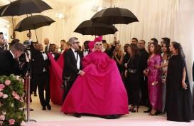 Foto-foto Heboh Lady Gaga di Karpet Merah Met Gala 2019
