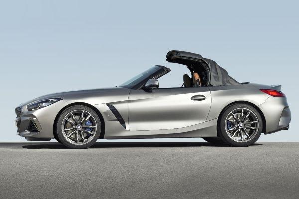 New BMW Z4 Roadster (09/2018). Konsumsi bahan bakar gabungan: 7.4  7.1 l per 100 km; CO2 emissions combined: 168  162 g per km.  - BMW