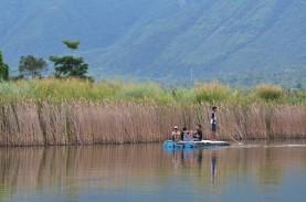 Adaro Bangun Jaringan Air Bersih di Danau Tempenek