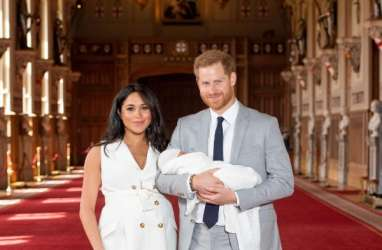 Beda Penampilan Meghan Markle & Kate Middleton Pasca Melahirkan