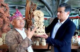 Seniman Ukir di Bali Gunakan Pelapis Kayu Ramah Lingkungan