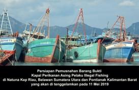 Menteri Susi Kembali Tenggelamkan 13 Kapal Maling Ikan