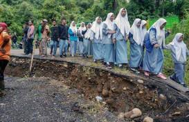 Mudik 2019: Jalan Nasional Di Sumedang Ambles