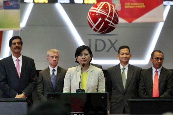 Corporate Secretary PT Map Aktif Adiperkasa (MAA) Ratih D Gianda menyampaikan sambutan pada pembukaan perdagangan saham bersamaan dengan pencatatan saham perdana PT MAA di Jakarta, Kamis (5/7/2018). - JIBI/Dedi Gunawan