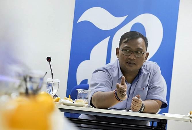 4W Marketing Director Suzuki Indomobil Sales (SIS) Donny Saputra memberikan paparan dalam kunjungannya ke kantor redaksi Bisnis Indonesia, di Jakarta, Rabu (10/4/2019). - Bisnis/Felix Jody Kinarwan