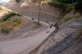 Jalan di Eris Minahasa Tertutup Longsor Sepanjang…