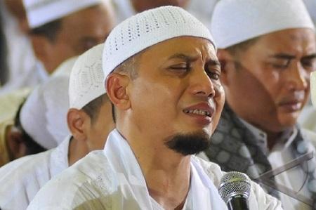 Ustad Arifin Ilham. - Jibiphoto