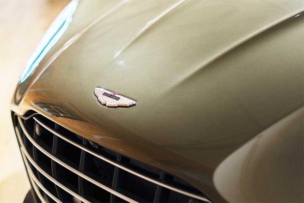 Kendaraan Supercar asal Inggris berjuluk On Her Majestys Secret Service DBS Superleggera.  - foto Aston Martin.