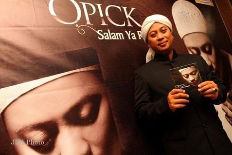Penyanyi religi Opick - JIBI