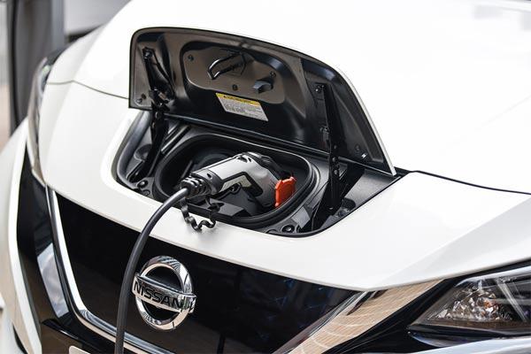 All-new Nissan LEAF diluncurkan di Thailand International Motor Expo 2018 untuk pengiriman Mei 2019.  - foto NISSAN