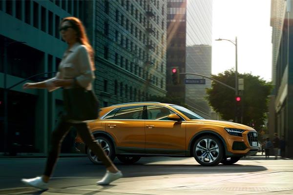 Audi Q8 menawarkan kombinasi terbaik antara keistimewaan sebuah SUV mewah 4-pintu dengan kepraktisan sebuah SUV berdimensi besar.  - Audi.com