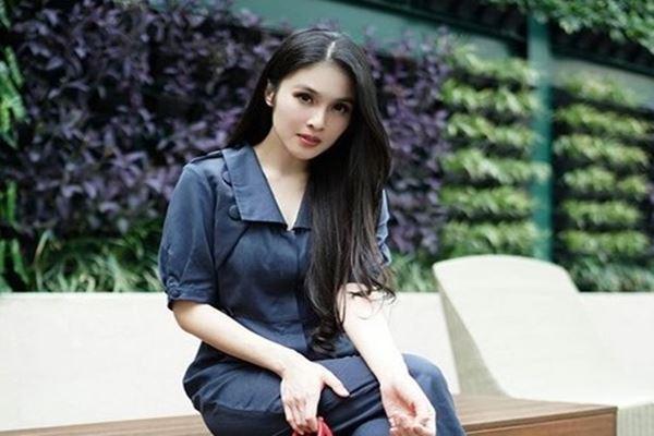 Sandra Dewi - Instagram@sandradewi