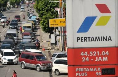 Pemudik Pribadi via Lintas Tengah Sumatra Bermalam di SPBU