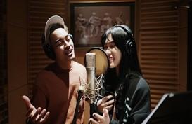 "Disney Indonesia Rilis Video Klip ""A Whole New World"" Versi Isyana Sarasvati dan Gamaliél."