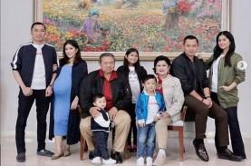 Potret Kedekatan Ani Yudhoyono dengan Annisa Pohan…