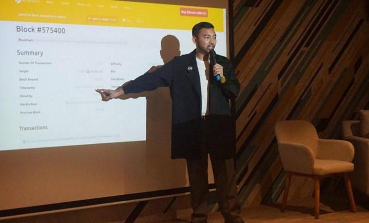 Direktur Eksekutif Asosiasi Blockchain Indonesia, M. Deivito Dunggio melihat  saat ini banyak perusahaan investasi bodong yang menggunakan aset crypto. JIBI/Bisnis - Leo Dwi Jatmiko