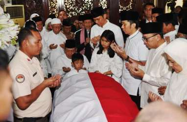 Lebaran Tanpa Ibunda Ani Yudhoyono, AHY Merasa Hampa