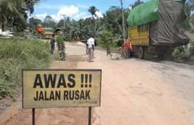Jalan Akses ke Wisata Batu Limau Karimun Rusak Parah