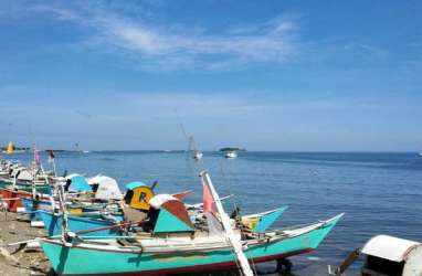 Libur Lebaran : Tak Melaut Nelayan di Takalar Nikmati Main Karambol